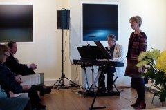 Carol Bleiker singing Mirror Canon